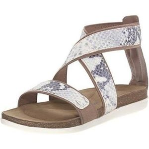 Rockport Total Motion Romilly Comfort Sandal 8 NIB
